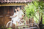 Mia & Janner at Pomelo Cafe, Canggu, Bali. More Photos Here.