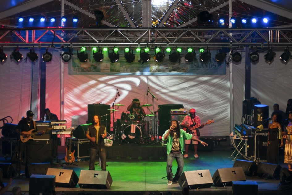 The Wailers play in Grand Cayman