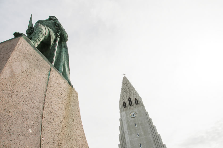 Statue of Leif Erikson and the Hallgrimskirkja, Reykjavik